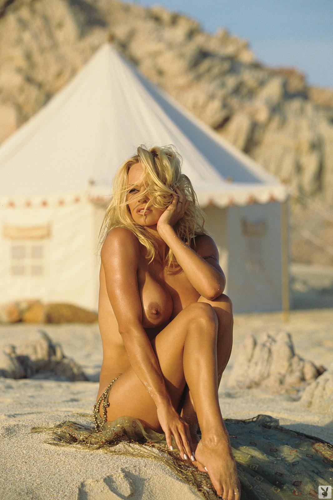 leah off of futurama nude
