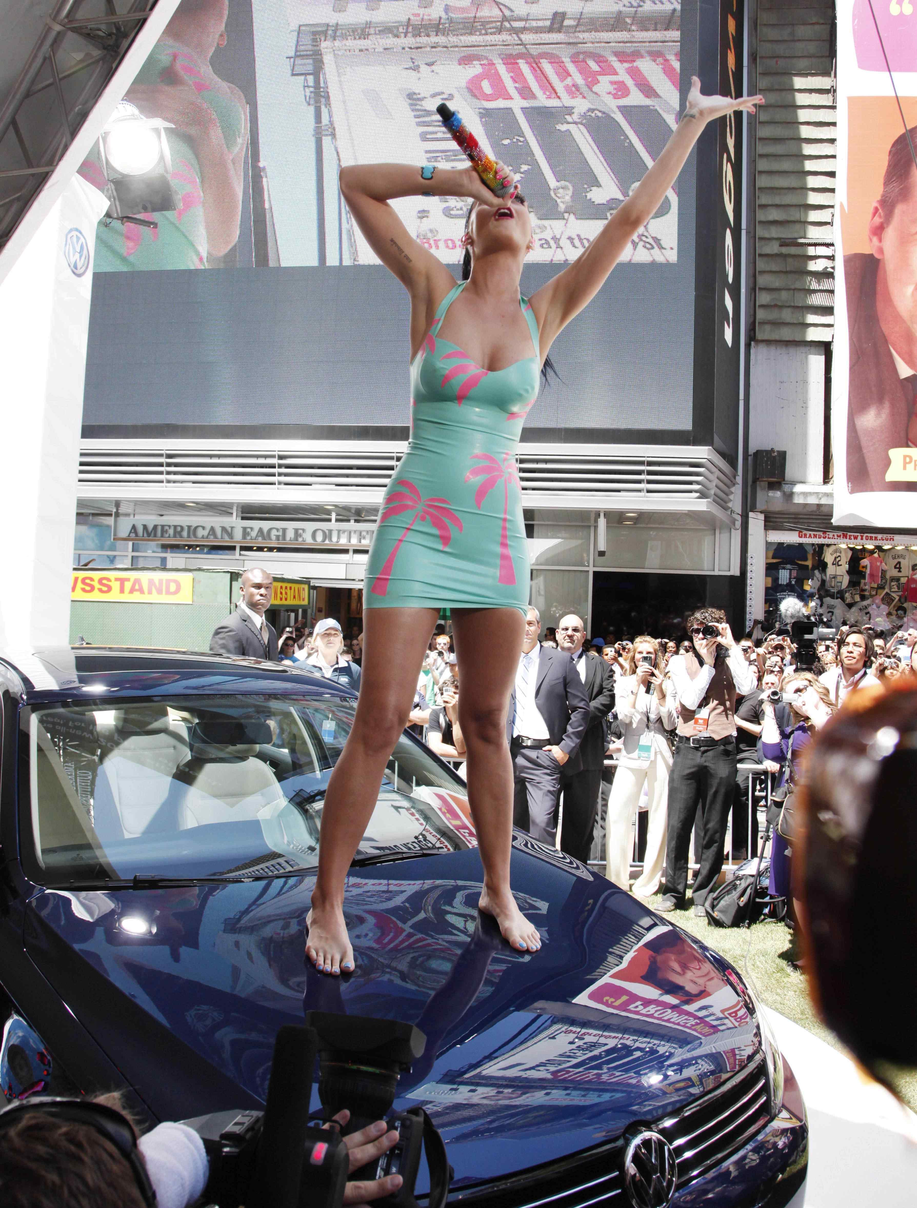 Katy Perry | Celebrity Feet