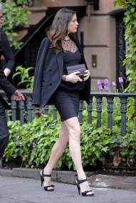 Liv_Tyler_leaving_her_home_in_the_West_Village_6