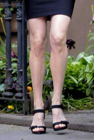 Liv_Tyler_leaving_her_home_in_the_West_Village_7