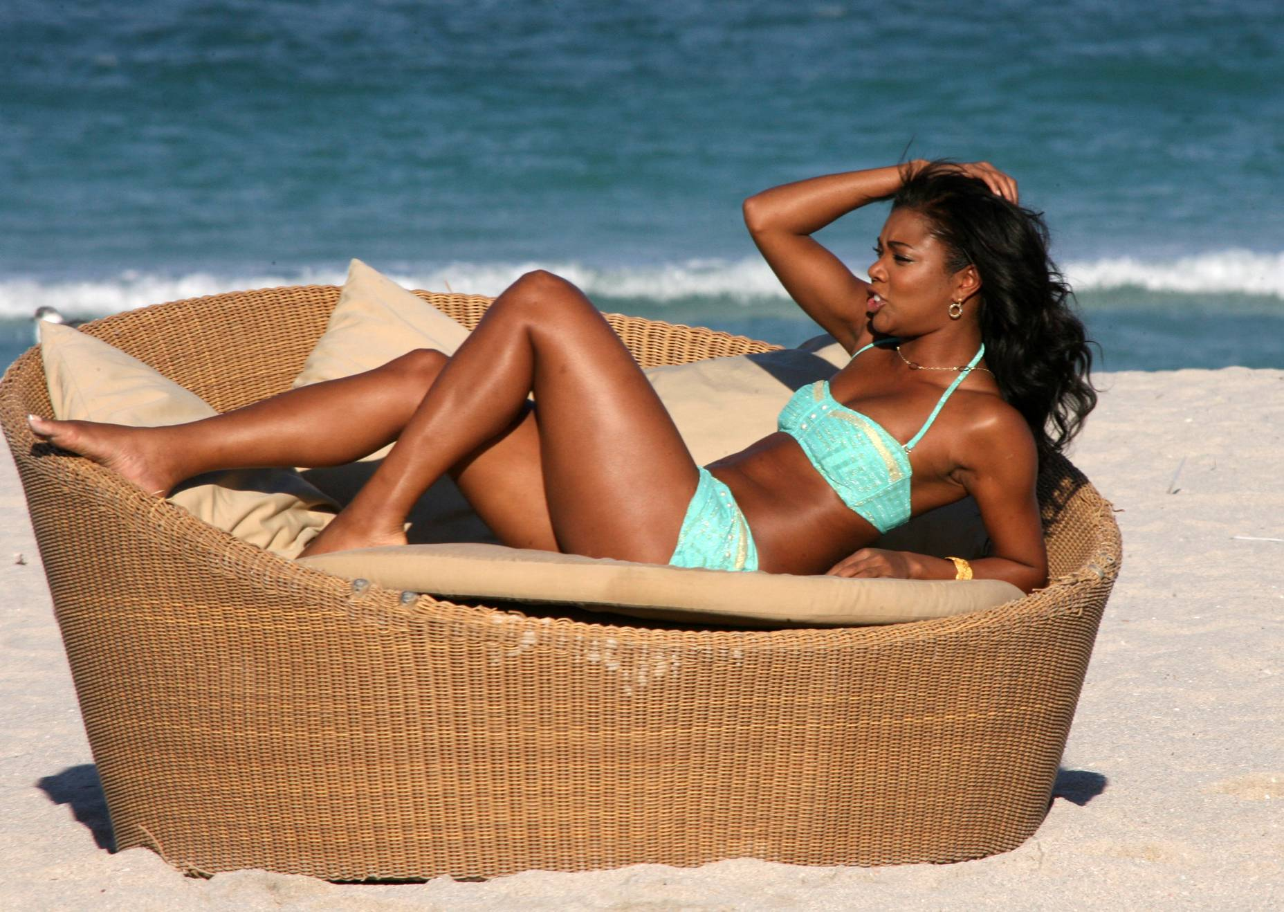 Gabrielle Union Cozies Up To Husband Dwyane Wade In Bikini Photos Snapped By Daughter Zaya